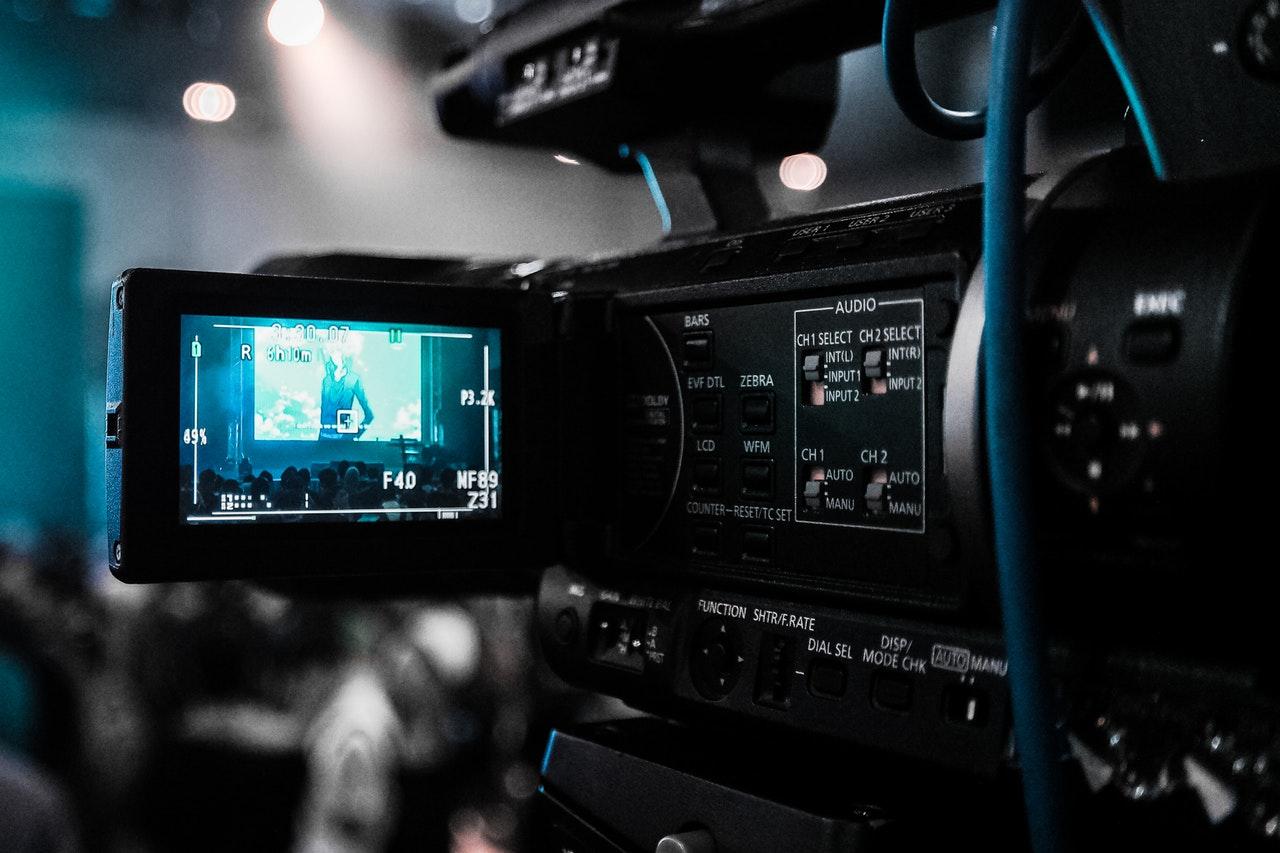 Filmkamera med visningsskärm